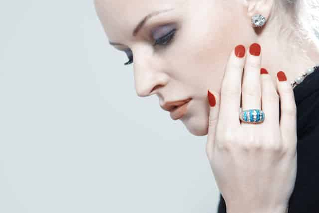How To Wear Emerald Rings Correctly