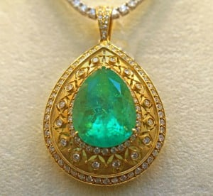 Be On The Lookout For The Best Emerald Pendant